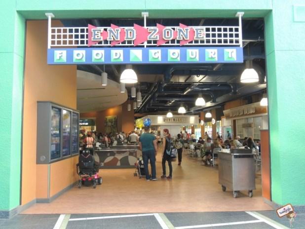 Food Court - Praça de alimentação localizada na área central do hotel