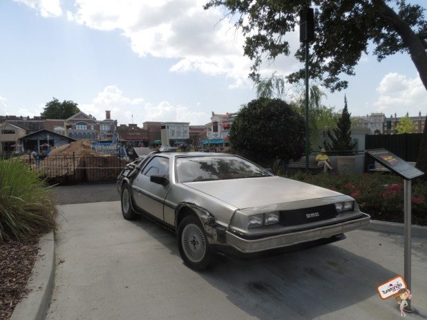 E o famoso carro Delorean do De volta para o Futuro
