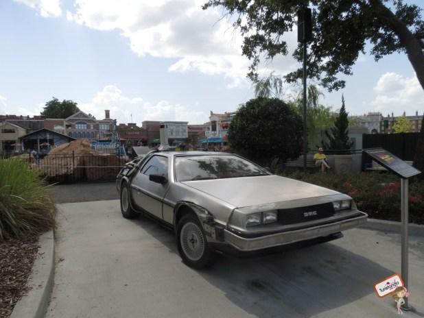E o famoso carro Delorean do De volta para o Futuro