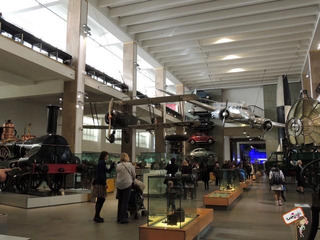 O Science Museum é muito legal, conta a história de como tudo surgiu neste mundo