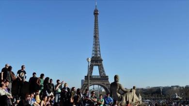 Photo of فرنسا.. الاحتجاجات تدفع باعة صحف إلى إزالة إعلانات مسيئة لتركيا