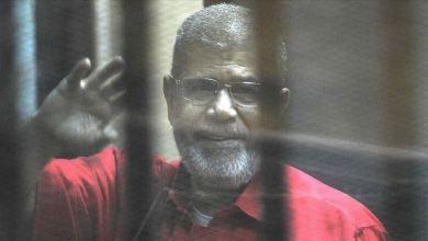 Photo of نجل مرسي يتهم السيسي ومسؤولين في نظامه بقتل والده