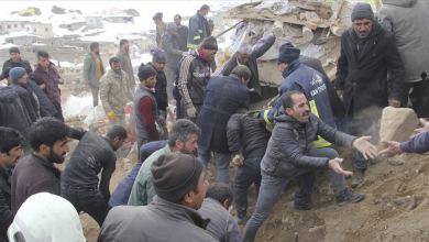"""Photo of زلزال إيران.. ارتفاع وفيات """"وان"""" التركية إلى 9 بينهم أطفال"""