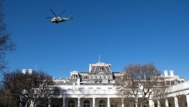 Photo of نيويورك تايمز: موظفو الخدمة السرية نقلوا ترامب إلى مخبأ تحت الأرض في البيت الأبيض!