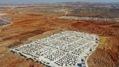Photo of منازل مؤقتة صغيرة تبنيها تركيا في إدلب.. ما التفاصيل وكم تبلغ كلفة الواحد منها؟