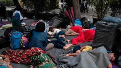 Photo of بعد إخراجهم من موريا.. اللاجئون في اليونان تائهون في أثينا