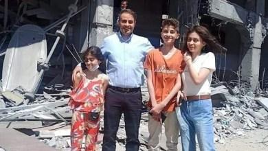"""Photo of """"فداء للقدس وللشيخ جراح"""".. إشادة كبيرة بتعليق مالك برج """"الجوهرة"""" الذي دمره العدوان الإسرائيلي بغزة"""