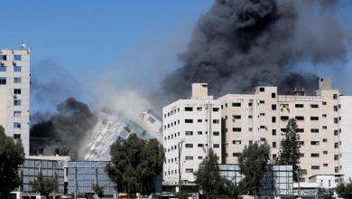 Photo of الاحتلال يدمر برجا يضم مقر الجزيرة ووسائل إعلام عالمية والمقاومة تقصف تل أبيب وضواحيها
