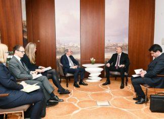 Azərbaycan Respublikasının Prezidenti İlham Əliyev və Dünya Bankının icraçı direktoru Aksel van Trotsenburq