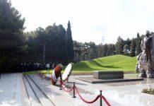 Auditorlar Palatasının nümayəndə heyəti Fəxri xiyabanı ziyarət edib