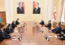 Gürcüstanın Baş naziri İrakli Qaribaşvili və Azərbaycan Respublikasının Baş naziri Əli Əsədov