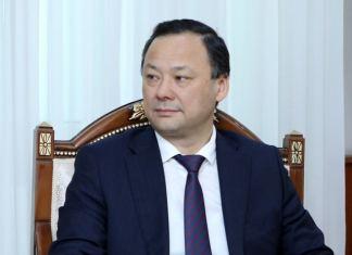 Qırğızıstanın xarici işlər naziri Ruslan Kazakbayev
