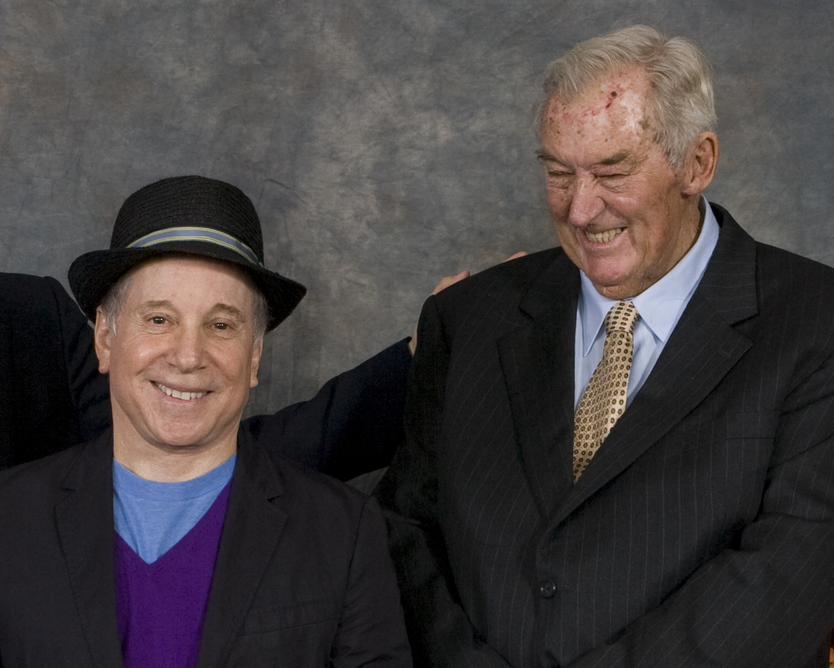 Paul Simon & Richard Leakey together in 2008.