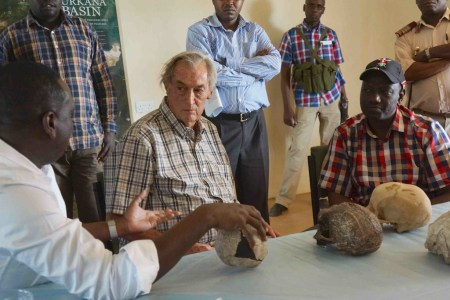 Richard Leakey discusses TBI's work with high-profile visitors from Kenya's government.