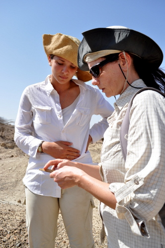 """Is it an artefact of a geofact?"" Robyn asks Dr. Harmand about the phonolite she found."