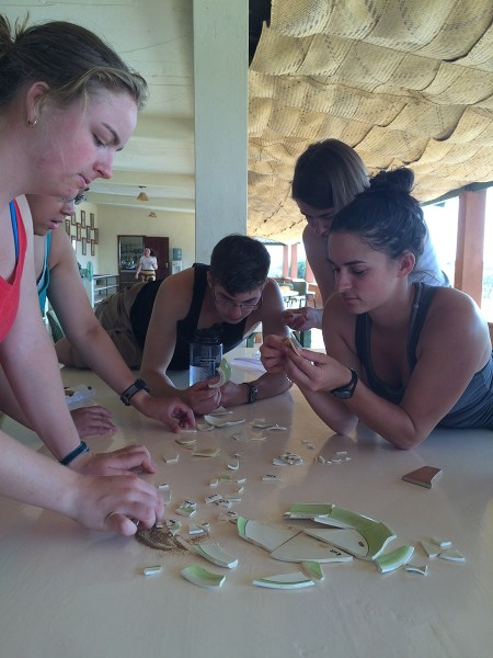 Page, Sam, Dylan, Kate, and Jade try to piece together pieces of Mary Leakey's pottery.