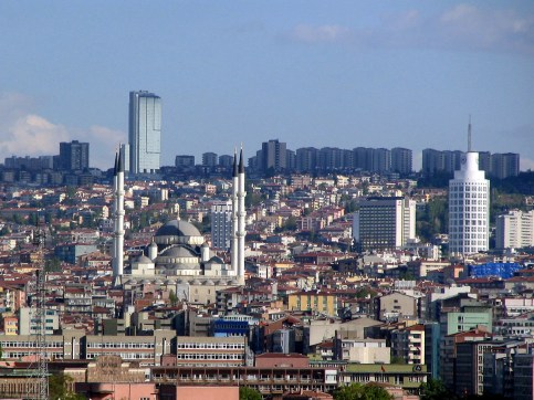Ankara_and_mosque_wza.jpg