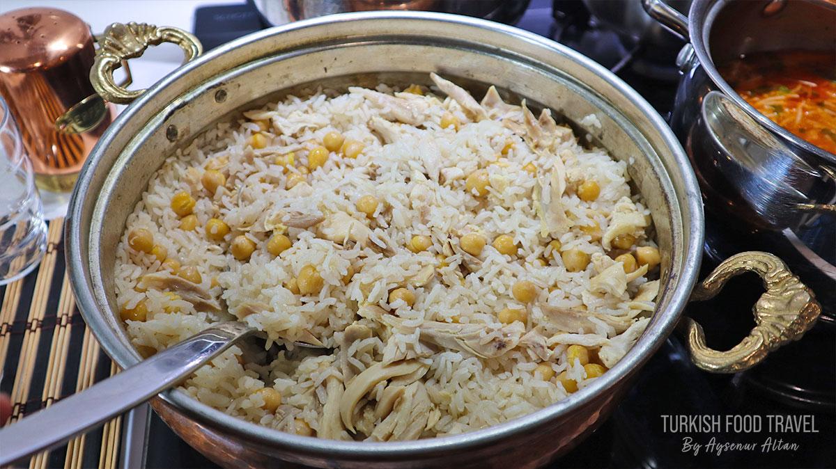 Chicken & Rice With Chickpeas – Turkish Street Food