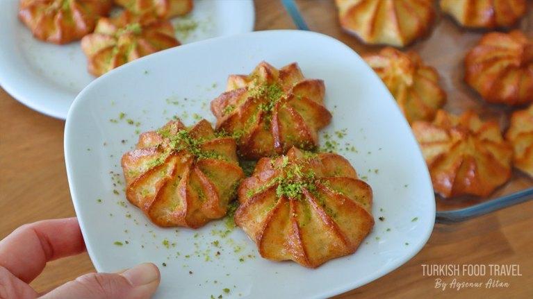 "Turkish Cheese Dessert ""Lor Tatlısı"""
