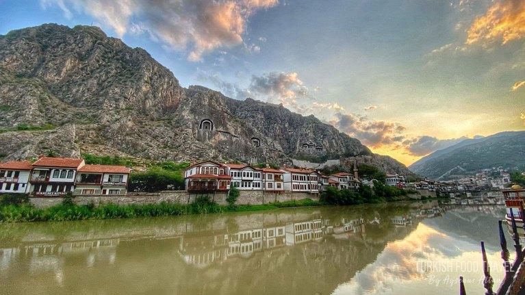 Amasya Travel Guide: Food, History & Culture