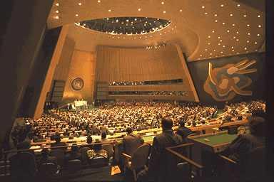 """Birleşmiş Milletler (BM) Sözcüsü Martin Nesirky, İsrail'in Mavi Marmara saldırısıyla ilgili raporunu BM Soruşturma Komisyonu'na halen sunmamış olmasına ilişkin, """"Biz bulguların biran önce Komisyona sunulmasını istiyoruz"""" dedi."""
