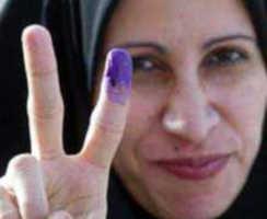 Irak'da parmağına boya sürülmüş seçmen
