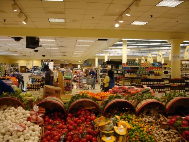 Food Shopping on Provo, TCI