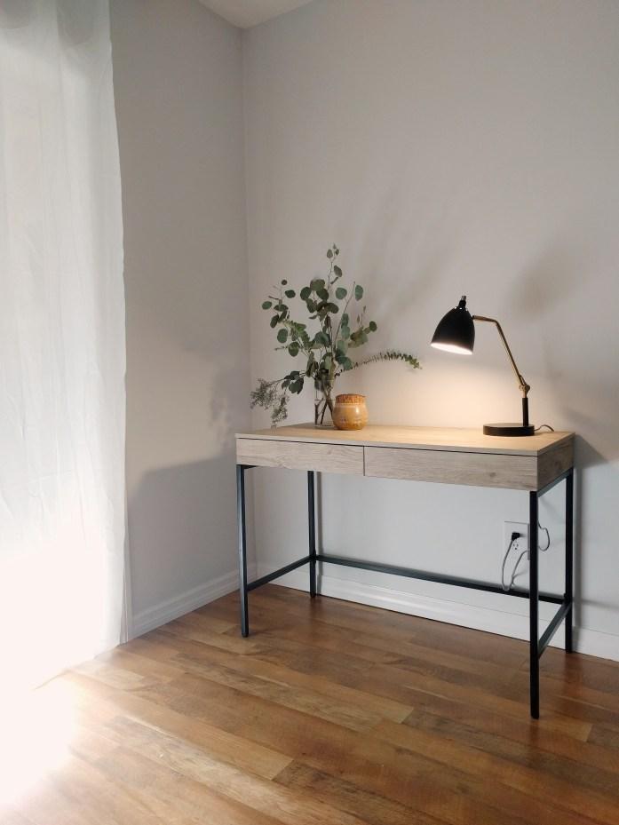 target style, desk,