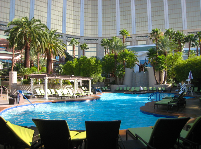 Las Vegas Four Seasons Pool