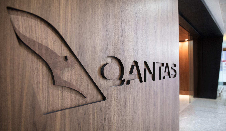 new Qantas Lounge Heathrow Terminal 3 business class first class oneworld emerald
