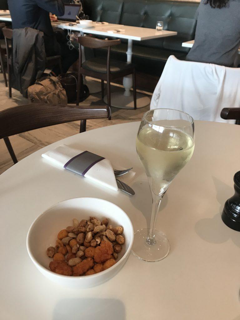 No 1 lounge Gatwick South review prosecco