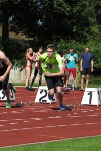 Daniel beim Start 100 m Sprint