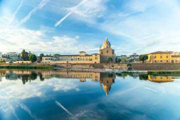 Il quartiere di San Frediano è uno dei quartieri storici di Firenze in Oltrarno
