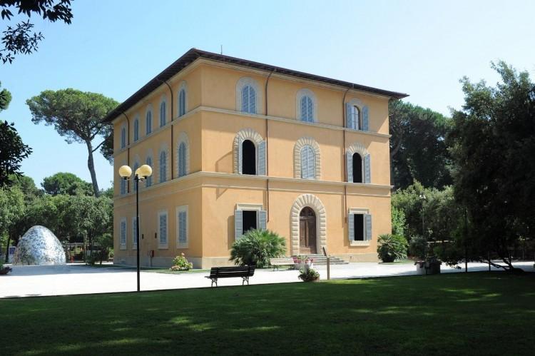 Quando nascono i primi stabilimenti balneari di Italia, ma soprattutto dove? In Toscana naturalmente! Siamo a Viareggio, in provincia di Lucca, nell'estate del 1828.