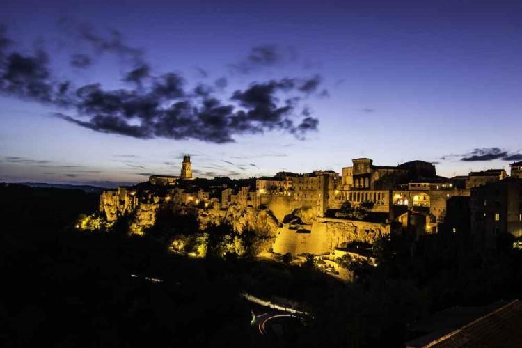 Pitigliano, nella Maremma toscana, è chiamato la piccola Gerusalemme. Luogo ideale per un weekend in Toscana