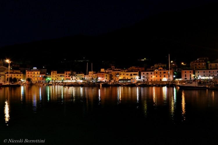 L'Isola del Giglio è uno dei gioielli dell'Arcipelago Toscano nel Mar Tirreno. Luogo ideale per un weekend in Toscana tra belle spiagge e borghi medievali