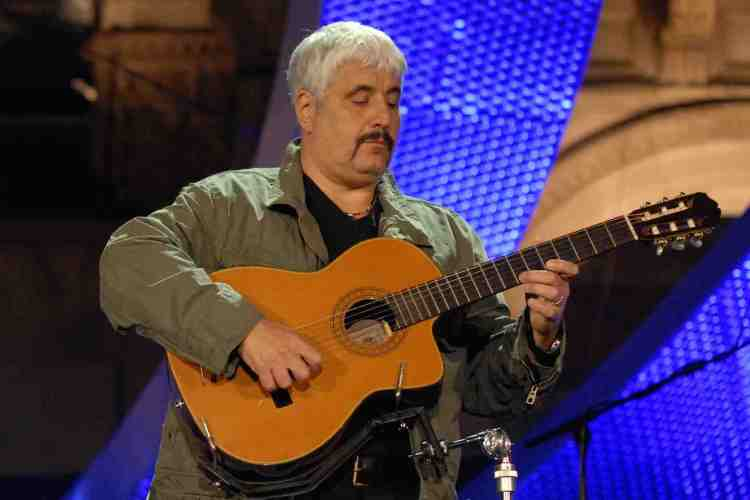 E' morto il cantautore italiano Pino Daniele nella sua casa in Maremma, musicista di imparagonabile bravura, grande amante della Toscana e delle sue spiagge