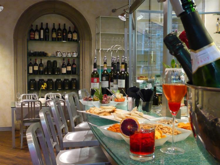 I 6 migliori ristoranti di design a Firenze,dove arredi, architettura e senso estetico incotrano la migliore cucina toscana reinterpretata in chiave moderna: Gustavino
