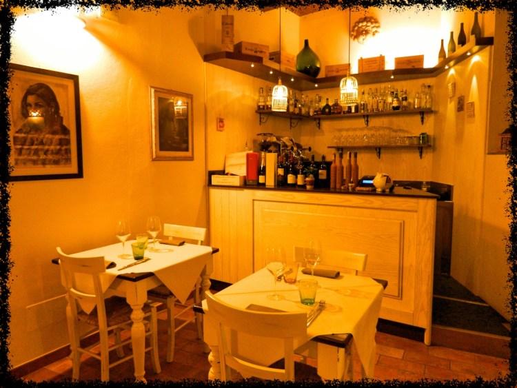 L' Enoteca 7 Rosso a Fiesole è un locale confortevole, dove una buona cucina toscana rivisitata si accompagna ad un'ampia scelta di vini e birre artigianali