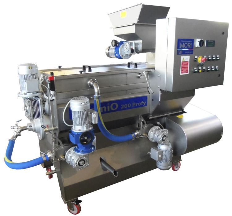 Oliomio è la macchina monoblocco a ciclo continuo che ha rivoluzionato il mondo dell'olio di alta qualità, grazie a Giorgio Mori della ditta Mori TEM