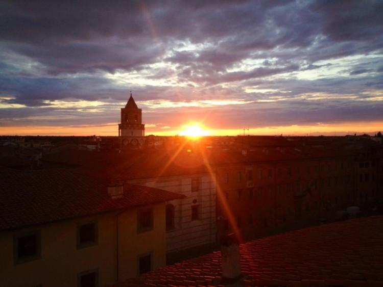 La Chiesa di San Nicola a Pisa ha una torre pendente