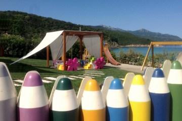Il Baia Bianca Suites dell' Isola d'Elba, in Toscana è la vacanza perfetta per i bambini, grazie a Kids club, piscina riscaldata, spiaggia bianca, kids menu