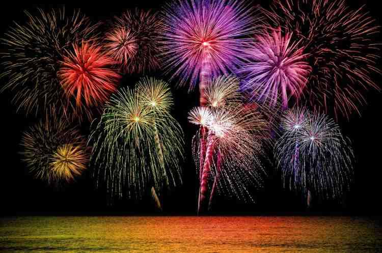 Capodanno Pisano: 5 eventi da non perdere. Concerto in Piazza dei Cavalieri, Cena vegan a km0, live music, dj set e fuochi d'artificio sul Ponte di Mezzo.