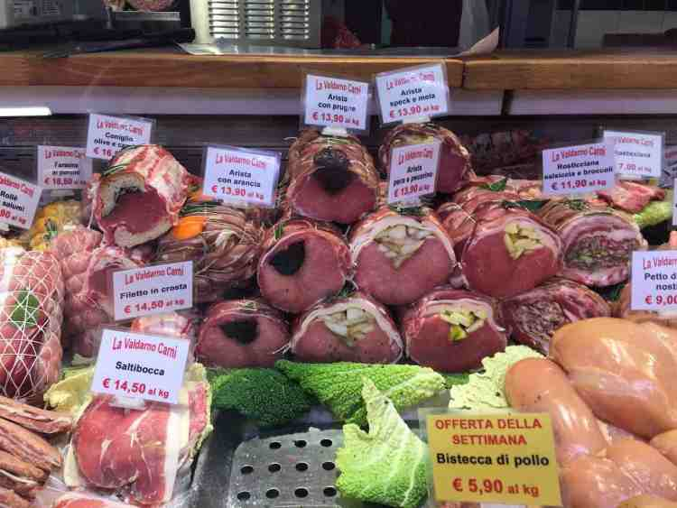 Il Mercato di Sant'Ambrogio a Firenze è un museo eno-gastronomico vivente, un'esperienza unica se vi accompagna Laura Franceschetti chef di Cooking Florence