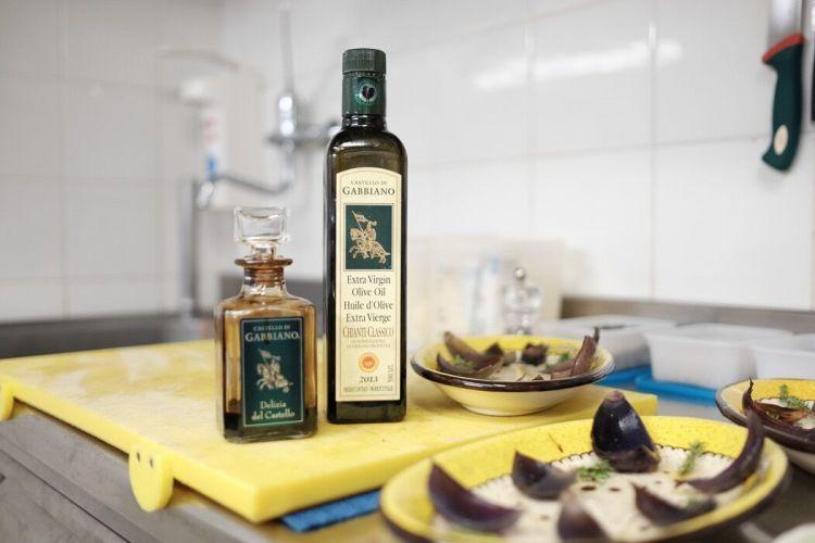 Il Ristorante Il Cavaliere del Castello di Gabbiano, a Mercatale in Val di Pesa, racchiude tesori culinari country chic nelle colline del Chianti Classico.