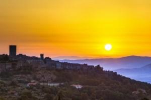 Il treno letterario Volterra Cecina propone 6 itinerari alla scoperta dei paesaggi della Val di Cecina, tra storia, racconti, cultura e letteratura