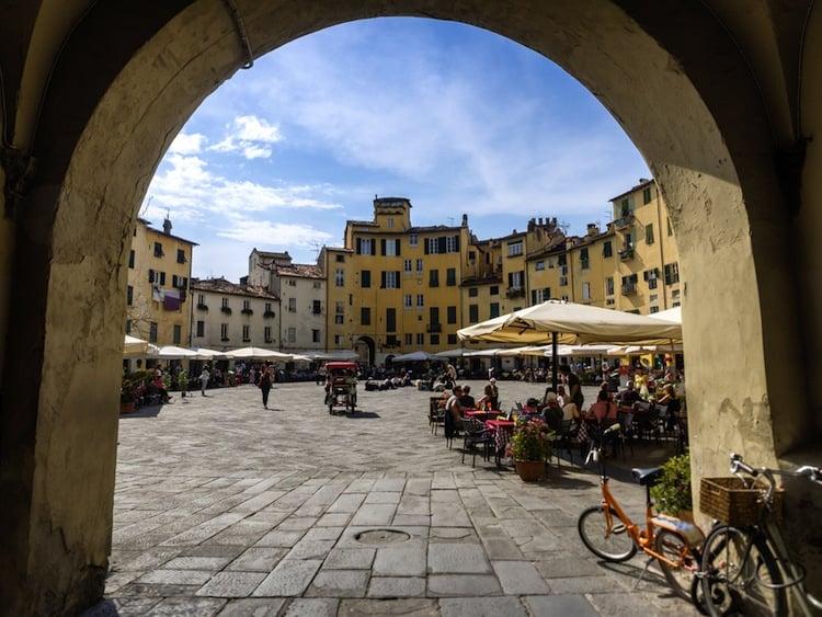 Cos'è il tuscan lifestyle? E cosa rende toscano un toscano? Il nostro web magazine sulla Toscana non poteva che provare a rispondere a queste ardue domande.