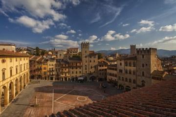 Arezzo è una delle più antiche città della Toscana, meta ideale per un weekend in Toscana tra storia, tradizioni popolari e buona tavola