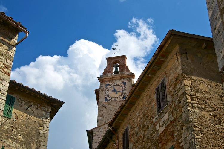 Campiglia Marittima è un borgo tra la Maremma e la Costa degli Etruschi, ideale per un weekend in Toscana tra mare, parchi e sapori tipici.