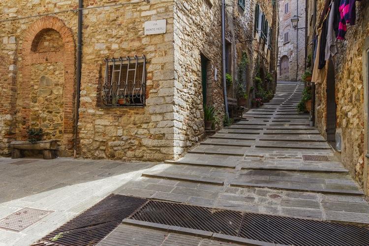 Campiglia Marittima è un borgo tra la Maremma e la Costa degli Etruschi, ideale per un weekend in Toscana tra mare, parchi e sapori tipici